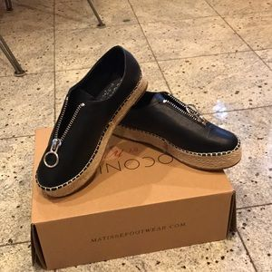 NWT Coconuts by Matisse black mighty fine slip on